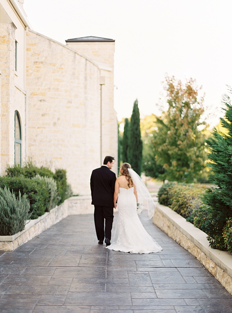 elegant backyard autumn wedding dallas film wedding photographer